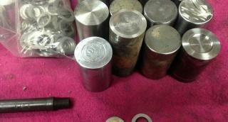 נתפסה מחרטה שייצרה נשק ומטבעות מזויפים