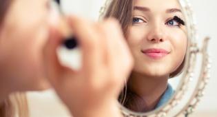 להתאים את האיפור והבגד ללוק מושלם - כך תתאימי את האיפור והבגד ללוק מושלם