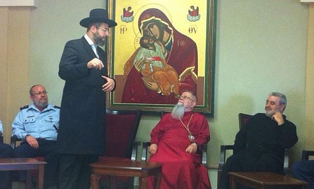 הרב לאו עם הארכיבישוף, היום