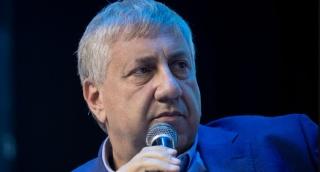 """יעקב ברדוגו, הפרשן הפוליטי של גלי צה""""ל"""