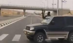 הירי הפרוע והמסוכן - טירוף בנגב: ירי אש חיה מרכבים נוסעים. צפו