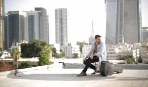 עקיבא תורג'מן בסינגל חדש - קרוסלה