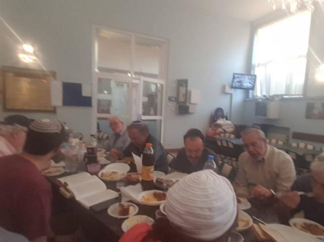 """שיעור התנ""""ך היומי שמתקיים בבית הכנסת שערי ציון"""