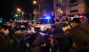 """שמונה עצורים בהפגנות בת""""א ובירושלים"""