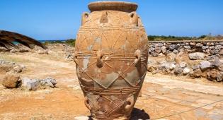 """האם החפצים העתיקים גנובים? אילוסטרציה - ביקורת על רשות העתיקות: """"פעלה באופן מכוער"""""""