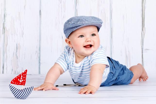מתי תינוקות מתחילים לחייך? רופא ילדים עונה