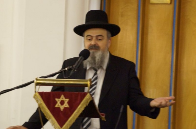 הרב אהרון בוטבול נואם בלונדון