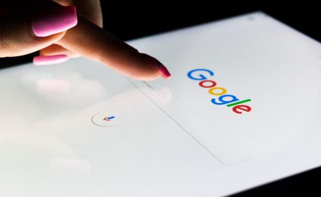 הכירו, צ'אט: גוגל ממציאה מחדש את האס־אם־אס