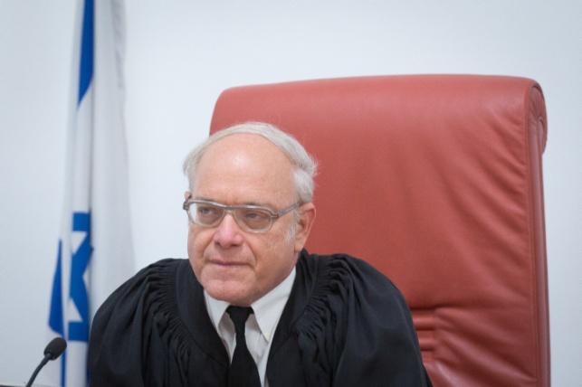 השופט ניל הנדל. ייעדר לבסוף