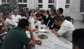 """ראוכברגר נפגש עם """"חרדים עובדים"""" בי-ם"""