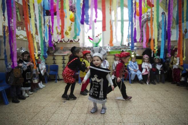 גלריה: ילדי פינסק-קרלין מחופשים