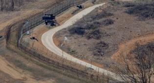 הגבול בין צפון קוריאה לשכנתה דרום קוריאה - צפון קוריאה ערכה תרגיל צבאי נרחב