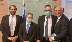 גדעון פישר, יעקב אשר, יחיאל ויינרוט ומתן גוטמן בוועדה