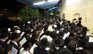 אלפים במעמד התפילה בעמוקה.