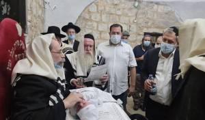 אחרי 20 שנה: ברית מילה בקבר יוסף • צפו