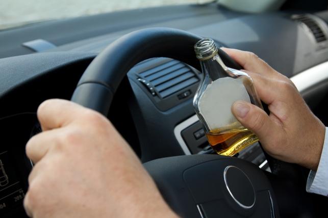 נהג שיכור שגרם לתאונה בפורים חייב לשלם?