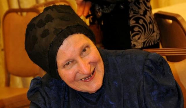 """הרבנית קרליץ ע""""ה"""