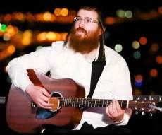 הזמר החרדי מרגש ב'מאש אפ' יהודי ישראלי