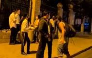 במהלך המחאה נגד נתניהו: מפגין נגח בפניו של צעיר חרדי