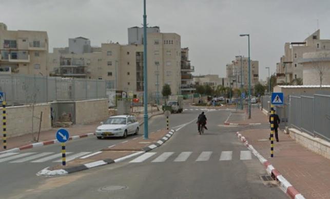 רחוב רבי חייא באלעד. למצולמים אין קשר לכתבה