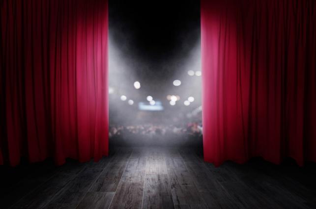 היכונו למופע החסידי: המופע הראשון לבין הזמנים
