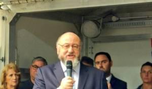 הרב הראשי נואם בעצרת, היום