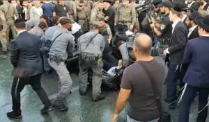 פינוי המפגינים - אחרי הכנסת: 'הפלג' חסם את הכניסה לירושלים