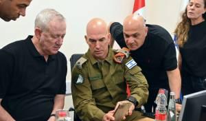 """בני גנץ: 'צה""""ל מכוון ופוגע במטרות צבאיות'"""