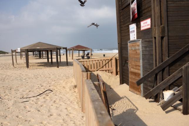 חוף זיקים אתמול, ריק, בשל המתח בדרום