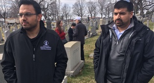 """מוסלמי בבית הקברות שחולל: """"הרגשתי חובה לבוא לסייע"""""""