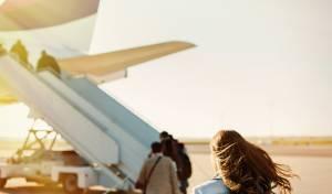 הצעירה העונה לשם מישל הצליחה לעלות למטוס רק בדרך נס כשהמוסלמי הזועם בעקבותיה