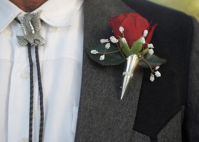 מחליפים סוס מנצח: עניבת קאובוי - טרנד שכדאי להכיר