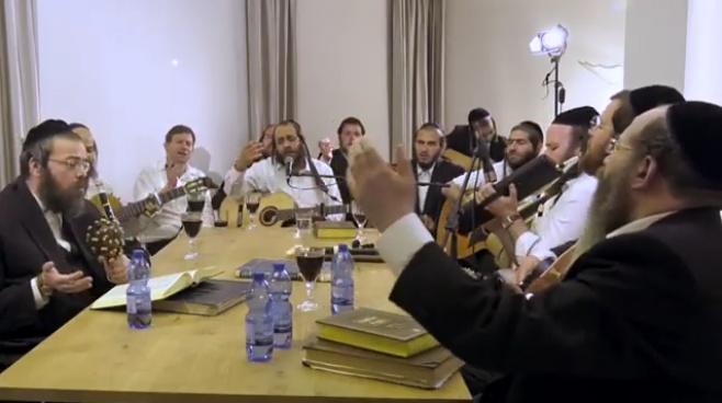 מרדכי גוטליב עם מחרוזת שירים באידיש • צפו