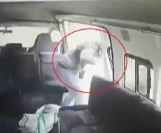 צפו: קפץ מרכב נוסע, כדי לברוח מהשודדים