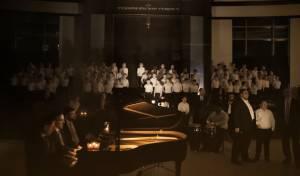 """מרגש: הילדים ומוריהם שרים """"לולי תורתך"""""""