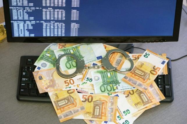 כייס כרטיס אשראי וגנב עשרות אלפי שקלים