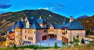הטירה הקסומה ביוטה - 6 בתים מציאותיים שנשלפו מאגדות קסומות