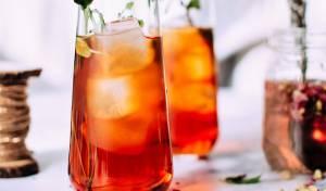 קוקטייל תה קר מתובל