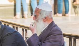 חודשיים אחרי אשתו: גבאי הצדקה מהכותל