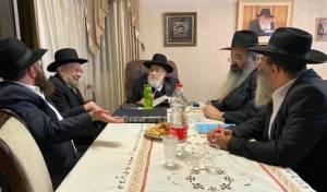 הגאון רבי שמעון אליטוב בכינוס בביתו, השבוע