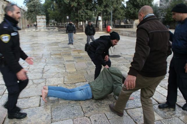 יהודי הוכה בהר הבית, הוואקף שילם פיצויים