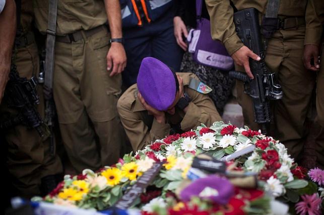 """הלוויה לפריטים של סגן הדר גולדין הי""""ד"""