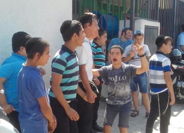 הילדים שפונו