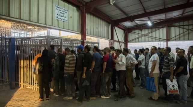 פלסטינים במעבר גבול. אילוסטרציה