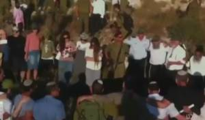 המשפחות התפללו במקום החבאת הגופות