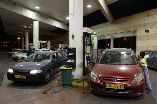 ביתר עלית: יצא לתדלק ורכבו נגנב