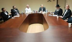 הפגישה המשותפת, אמש - מאבק השבת בירושלים: חוסר תיאום בין הנציגים החרדים