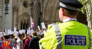 הפגנה נגד אנטישמיות בבריטניה