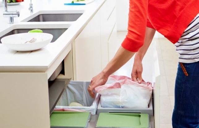 הסוף לניחוחות הבלתי נעימים - איך למנוע ריח רע מפח האשפה תוך 10 שניות