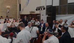 אברהם פריד הקפיץ את 'מרכז הרב' • צפו